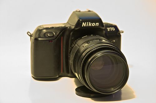 Nikon F70