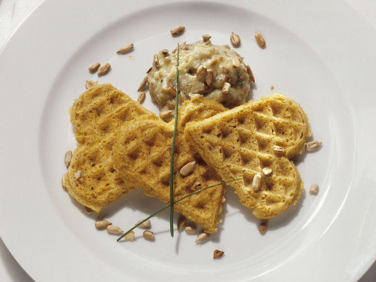 Maiswaffeln mit Käsedip - smarter - Zeit: 30 Min.   eatsmarter.de