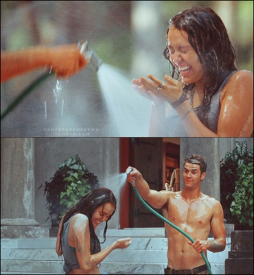 A remake of these pictures would be so cute for engagement photos <3!