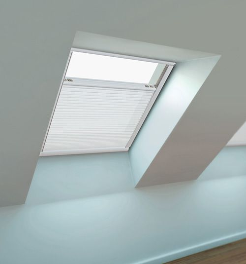 Best 25 skylight shade ideas on pinterest skylight Velux skylight shade