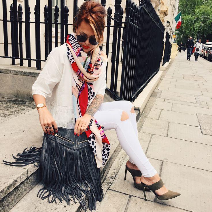 Caroline Receveur / 16 mai 2015Outfits