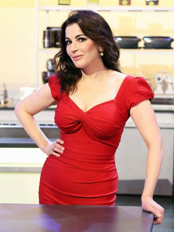 nigella lawsons femininity Nigella lawson is famous for her flirtations with food and culinary innuendos, and tonight's episode of masterchef australia saw her make suggestive comments while judging the contestants.
