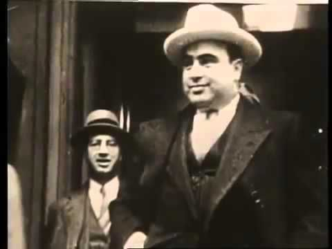 a history of al capone an american gangster Al 'scarface' capone buys bahamas island but forbidden to live there 1929 al 'scarface' capone buys bahamas  in american history, a brutal gangster and a.