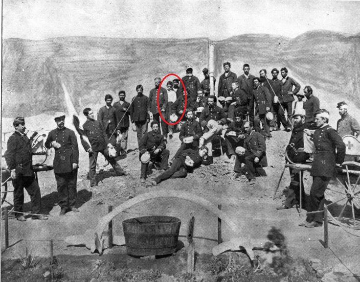 """El niño desconocido de la """"Valparaíso"""", el cual correspondía al Voluntario de la Segunda """"Esmeralda"""" don Isaías Carvacho Magna, quien a muy temprana edad y habiendo estallado el conflicto bélico de 1879, le manifiesta a su padre, don Valentín Carvacho, que quería partir al norte. No hay que ser un erudito en historia para poder imaginar todas las cosas que debió haber vivido este niño de 12 años en campaña, en combate. Ese fervor patrio se vio extinto en la revolución de 1891, donde su luz…"""