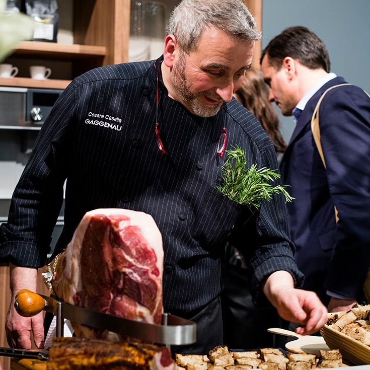 Master butcher Aaron Oster's passion for the craft led to his previous role as head butcher at the unique Echo & Rig Butcher and Steakhouse, Las Vegas. Currently he is concentrating on creating a curing facility in the Berkshire Mountains of Western Massachusetts. Oster collaborated with chef Cesare Casella at Gaggenau's VIP event at the Architectural Digest Design Show. His delicious cured ham was served with master baker Ingo Rasche's artisanal bread at Gaggenau's booth throughout the day.
