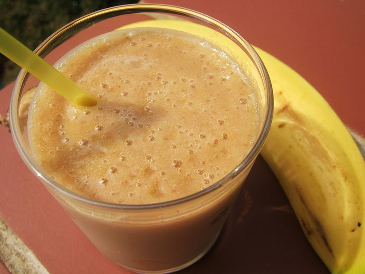 Banana Date Smoothie - terrific for weight gain in kids. #pickyeaters