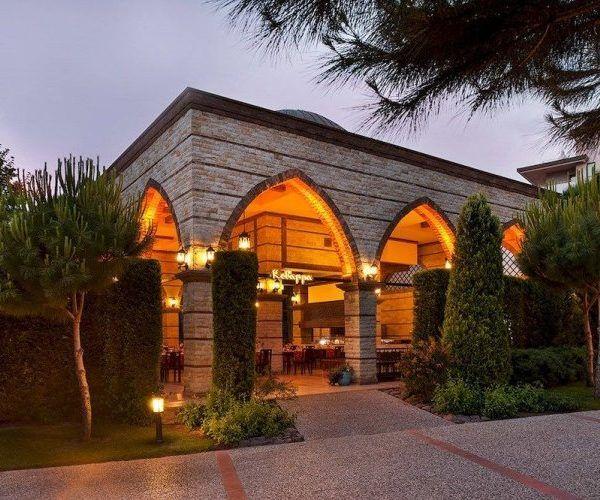 Супер отель Voyage Belek Golf & Spa в Турции Цена от 2873 $ на 8 дней\7 ночей с вылетом 30.07.06 Отель Voyage Belek Golf & Spa в Турции располагает большой территорией с роскошным песчаным пляжем. Гостям  отеля Voyage Belek Golf & Spa  предлагается несколько крытых и открытых бассейнов, включая 2 детских. Работает спа-салон и фитнес-центр. Есть также турецкая баня и сауна...