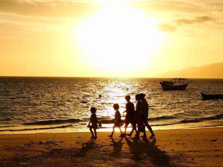 Praia do Canto Grande em Bombinhas, SC Aluguel de Temporada, Locação para Veraneio