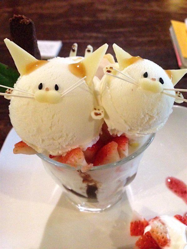 Кафе «Kotoba no Haoto» в Киото предлагает насладиться десертом в виде милого котика.