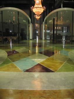 ステンドコンクリート床、ステンドグラス、コンクリート、コンクリート染色コンクリートの床Demmert&アソシエイツグレンデール、カリフォルニア州