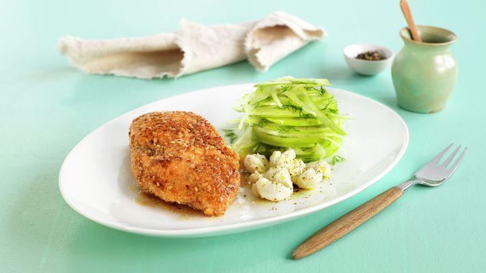Sesampanert kylling med eple- og fennikelsalat - Sunn - Oppskrifter - MatPrat