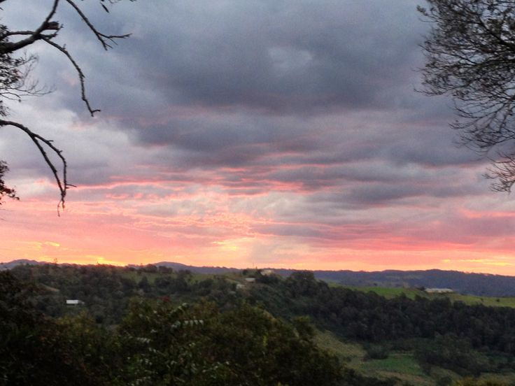 Another stunning sunset at Lillypilly country Cottages http://www.lillypillys.com.au