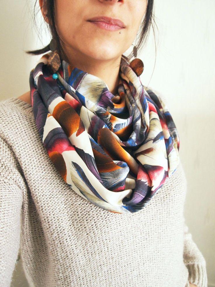 Snood double, mi-saison, motifs plumes : Echarpe, foulard, cravate par la-fee-curiosites