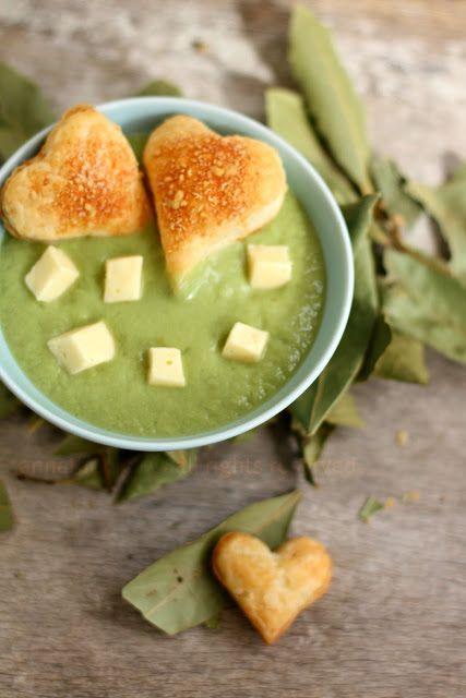 Vellutata di patate e broccoli con cuori di sfoglia al formaggio e brie   Anna The Nice