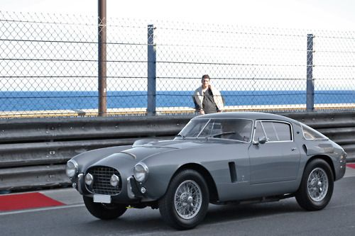 Ferrari 250: Automobile