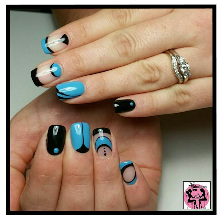 My favorite nail design! Colour changes from blue to turquoise with heat! By Fabulous10