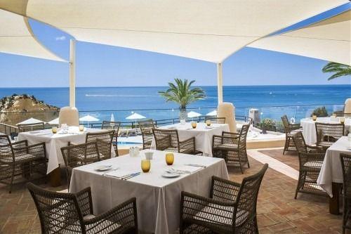 Vilara Thalassa Resort - Portugal - Terrace furnished by MANUTTI - exclusive Belgian outdoor furniture - Malibu collection