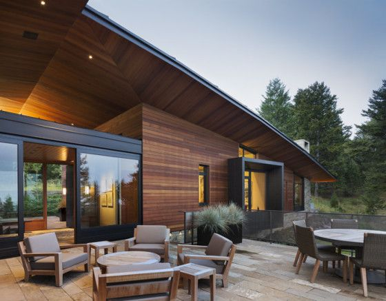 Moderna terraza de casa de campo