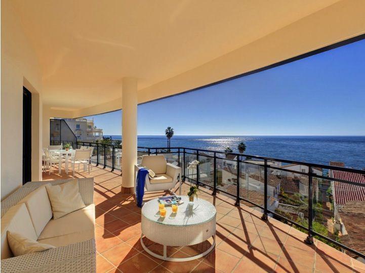 Beachside apartments Marbella Area! http://bablomarbella.com/en/listing/spain/costa-del-sol/new-golden-mile/apartment/129/