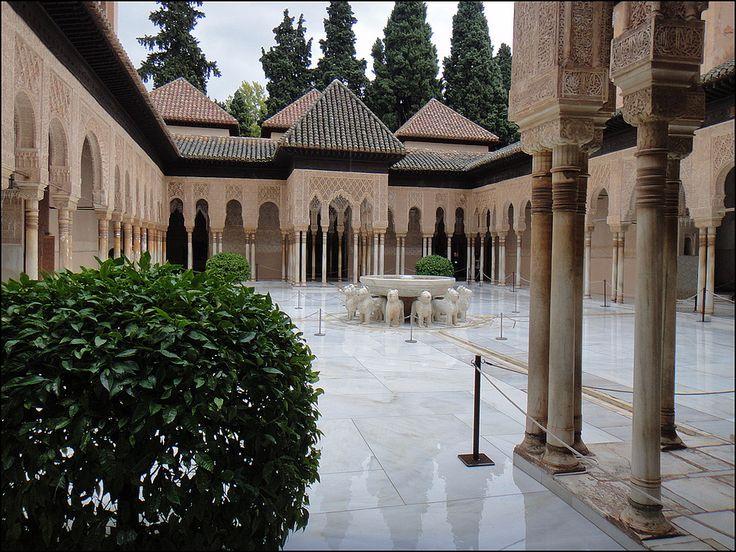 El Patio De Los Leones (La Alhambra) | Flickr   Photo Sharing!