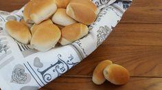Perfetti per le feste dei bambini, da farcire con la nutella, salumi o per fare dei mini hot dog!