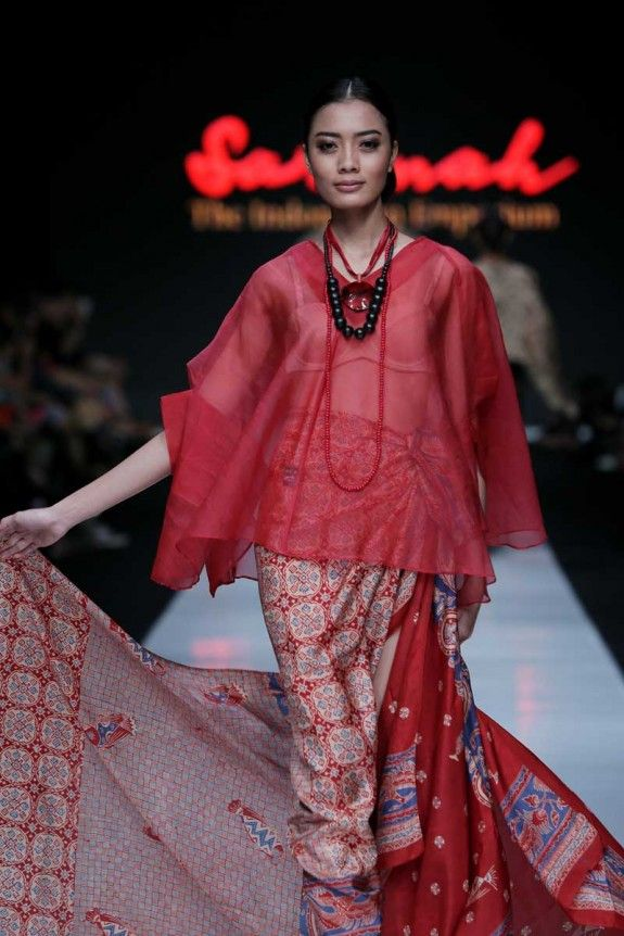 Sarinah Spring 2014. Jakarta Fashion Week. Wonderful vibrancy in fabrics.