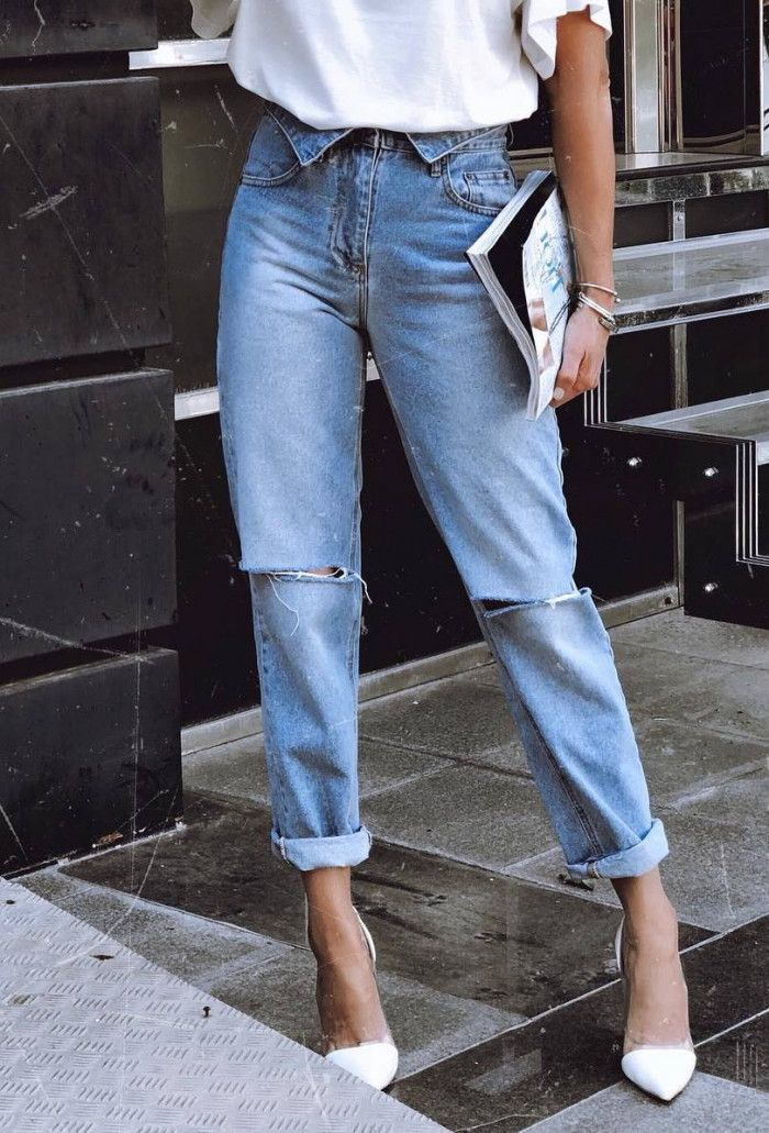 e4aee5820fe ootd | white tee jeans heels | Outfit Ideas in 2019 | Jeans, Mom ...