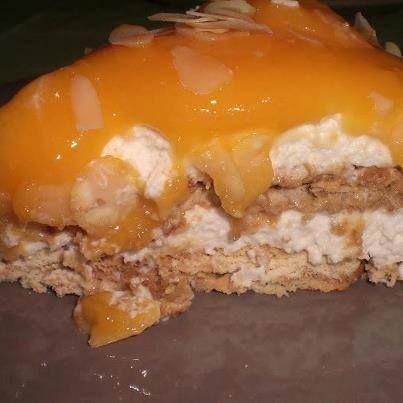 Semifrio de bolacha com doce de ovos