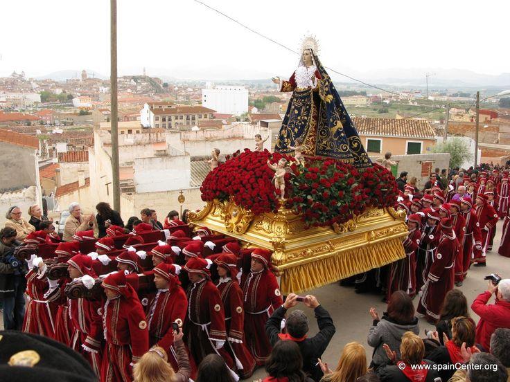 Hellín Semana Santa Procesión Fotos.  La Semana Santa de Hellín esta declarada Fiesta de Interés Turístico Internacional.