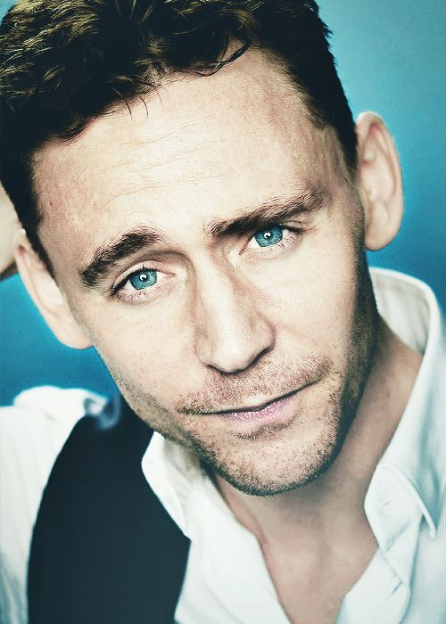 Hiddleston eyes both calm my soul and start a war of butterflies in my belly <3