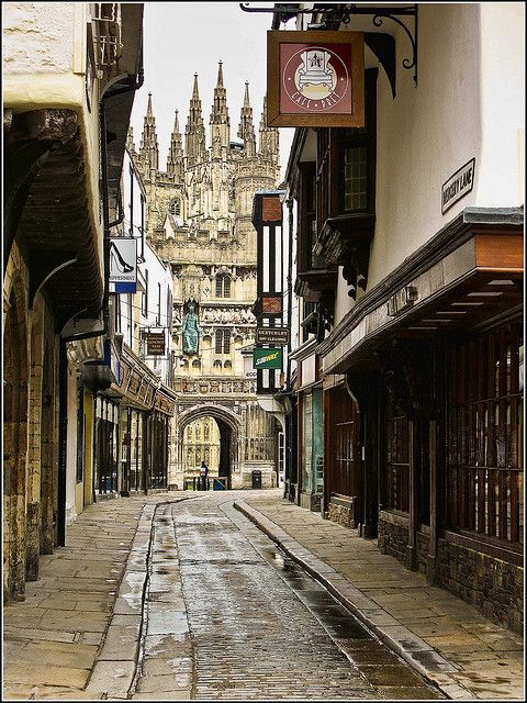 Canterbury, Kent, England, showing the entrance to Canterbury Cathedral - Curleytop1.