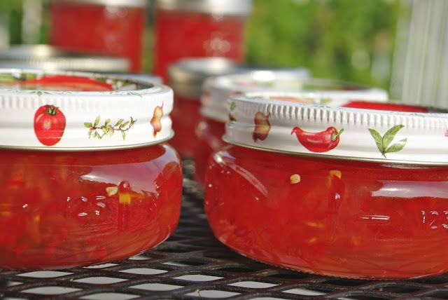 Mennonite Girls Can Cook: Peach and Red Pepper Jelly. SOUNDS LIKE A NICE CHANGE FOR HOT PEPPER JELLY!