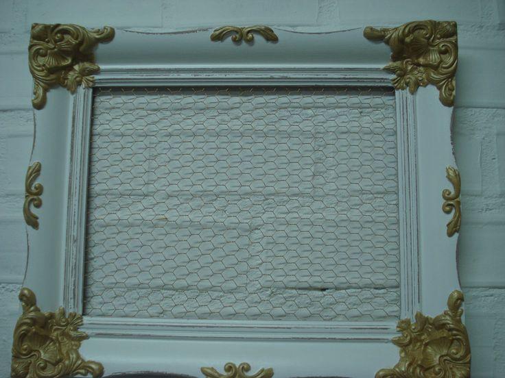 Quadro antigo usado como porta recados