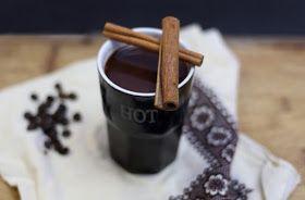 Rozgrzewająca kakaowa kawa z cynamonem