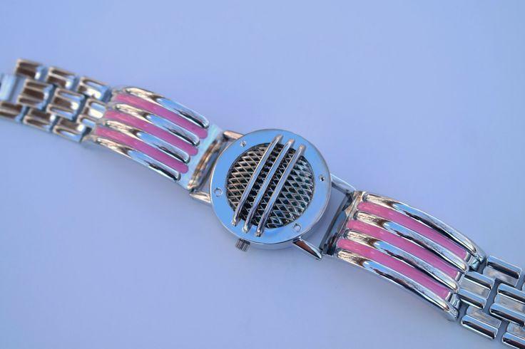 Power Ranger rose Communicator Bracelet Cosplay Prop Cos-Play par StarlightStudioStuff sur Etsy https://www.etsy.com/fr/listing/130570381/power-ranger-rose-communicator-bracelet