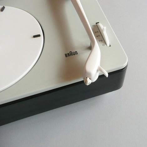 Braun turntable. Simple elegance.