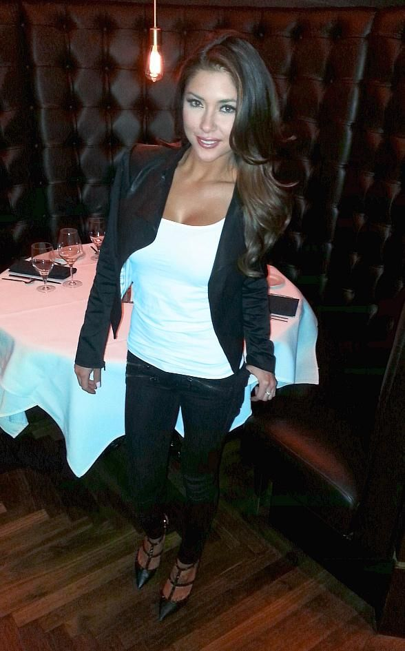 Playboy Cover Girl and UFC Ring Girl Arianny Celeste dined with five of her closest girlfriends after the UFC fight Saturday night at Andiamo Italian Steakhouse inside the D Las Vegas Casino Hotel (Photo credit: the D Las Vegas).