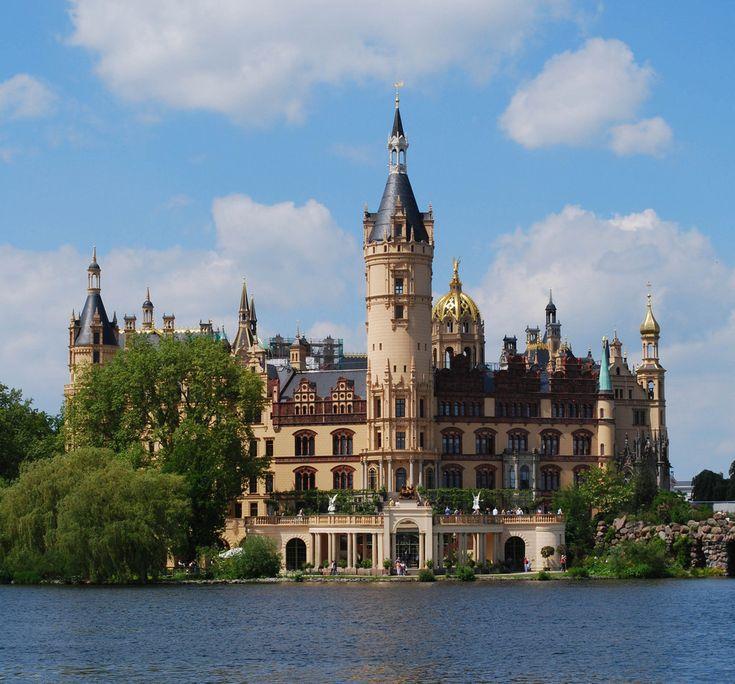Schloss Schwerin, Germany                                                                                                                                                      Mehr