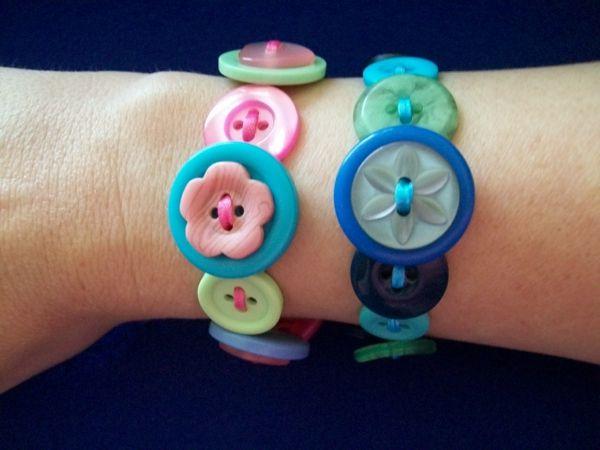 armband-aus-knöpfen-selber-machen- kreative ideen - Basteln mit Knöpfen – 26…