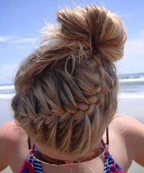 Best Messy Bun Braided Hairstyles for School Girls #bestbraidedhairstyles #besta - #besta #bestbraidedhairstyles