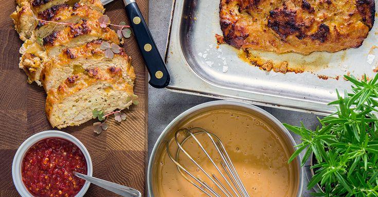 Fin färslimpa med kyckling, perfekt med gräddsås och potatis. Med god smak av sambal oelek, vitlök, Ekologisk Kycklingfond, mango chutney och lök.