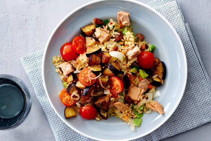 Pilav met tonijn, tomaat en aubergine