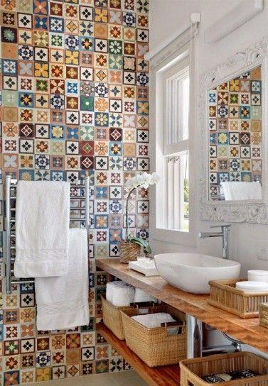Oltre 25 fantastiche idee su piccole piastrelle da bagno - Piastrelle bagno colorate ...