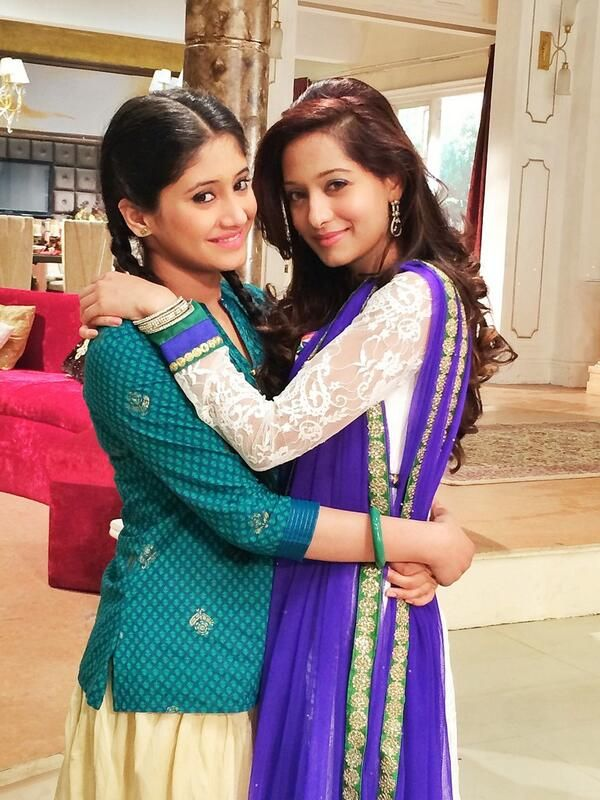 The 2  beautiful Beintehaa sisters Aayat and Aaliya!
