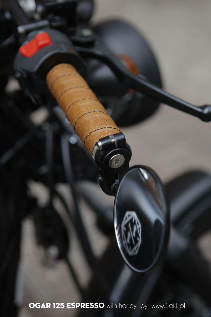 Ogar 125 ccm Espresso - handmade leather grips by Unikat Motorworks.