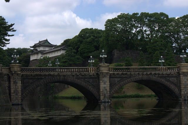 Imperial Palace, Tokyo  http://invernointerior.blogspot.com