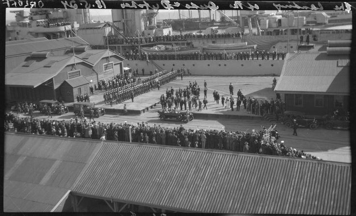 112090PD: Arrival of Duke and Duchess, 1927 https://encore.slwa.wa.gov.au/iii/encore/record/C__Rb2214867