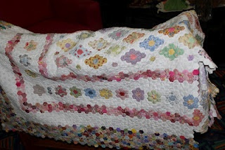 1/2 inch hexagons.: Style Quilts, Uladulla Quilts, Beautiful Quilts, Hexagons Quilts, Inch Hexagons, Hexicon Favorites, Blankets, Les Quilts, Quilts Mania Hexagons