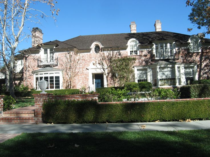 Lucille Ball House 1000 N Roxbury Beverly Hills Ca