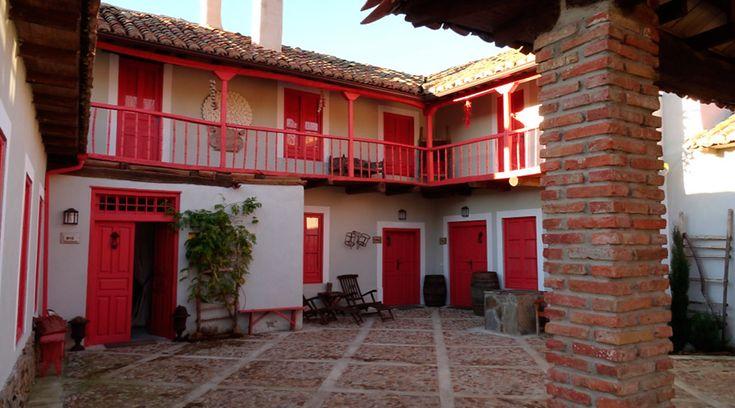 La Madrigata es un conjunto de tres alojamientos de turismo rural con historia y encanto a un paso de Astorga. Echa un vistazo!! #castillayleón #turismorural #ideas